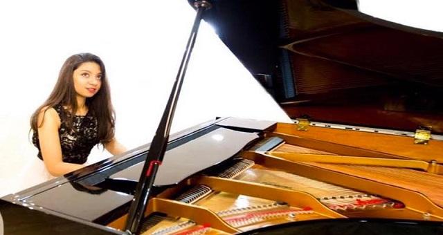 La jeune virtuose marocaine Nour Ayadi remporte le grand prix Cortot de piano