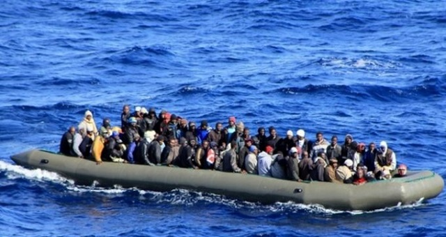 242 migrants secourus par la Marine Royale