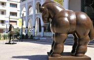 Rabat: «LeCheval», de Botero, exposé à l'entrée du Musée Mohammed VI
