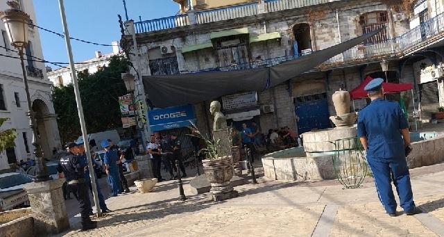 La police algérienne empêche une réunion de l'association citoyenne RAJ