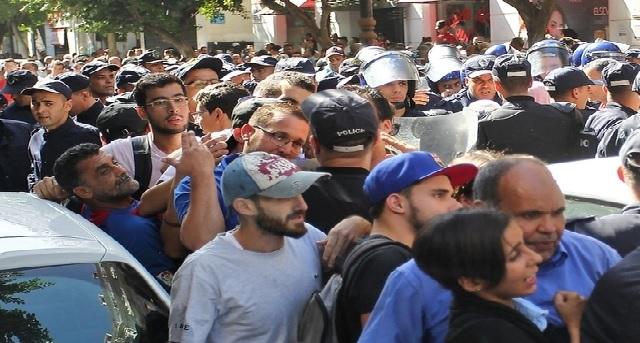 Pour la première fois depuis février, la police empêche la marche étudiante à Alger
