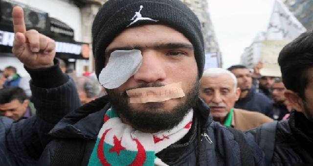 Algérie : Des manifestants blessés à l'œil par des balles en caoutchouc