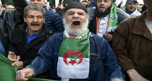Très forte mobilisation en Algérie pour le 1er anniversaire de la contestation