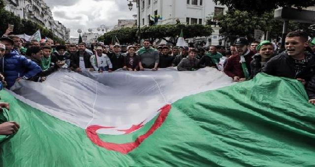 Un collectif de partis en Algérie dénonce la contradiction flagrante entre le discours pro-Hirak et les pratiques du pouvoir