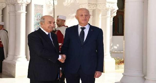 Arrivée à Alger du président tunisien pour son premier voyage officiel à l'étranger