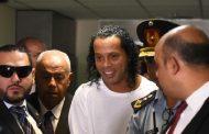 L'ancienne star du football brésilien Ronaldinho arrêtée au Paraguay pour utilisation de faux passeport