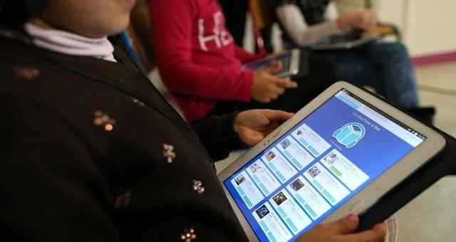 Le ministère de l'éducation nationale et l'UNICEF offrent des tablettes aux élèves du monde rural