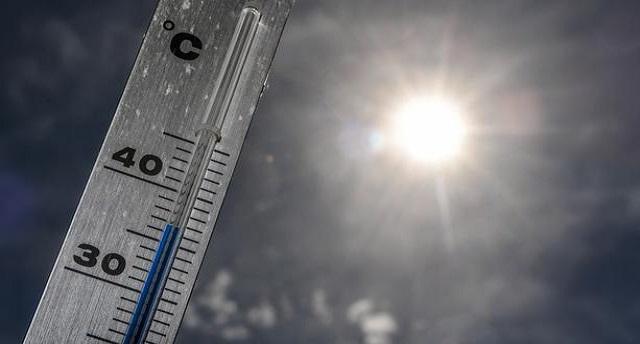 Bulletin spécial de niveau rouge: la température atteindra 49 °C