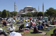 Turquie: Première prière du vendredi à Sainte-Sophie après sa reconversion en mosquée