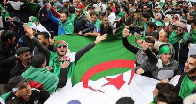 Algérie: Deux militants du