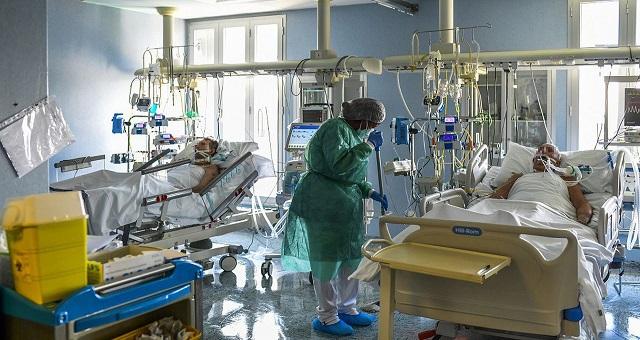 Etats-Unis: Nouveau record de contaminations avec près de 290.000 cas de Covid-19 en 24H