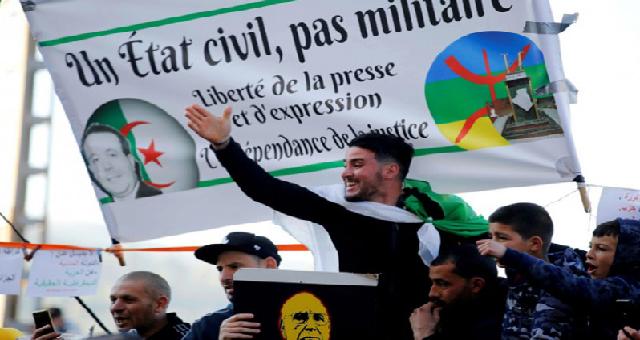 Algérie : Paris suit de très près la reprise des manifestations du Hirak