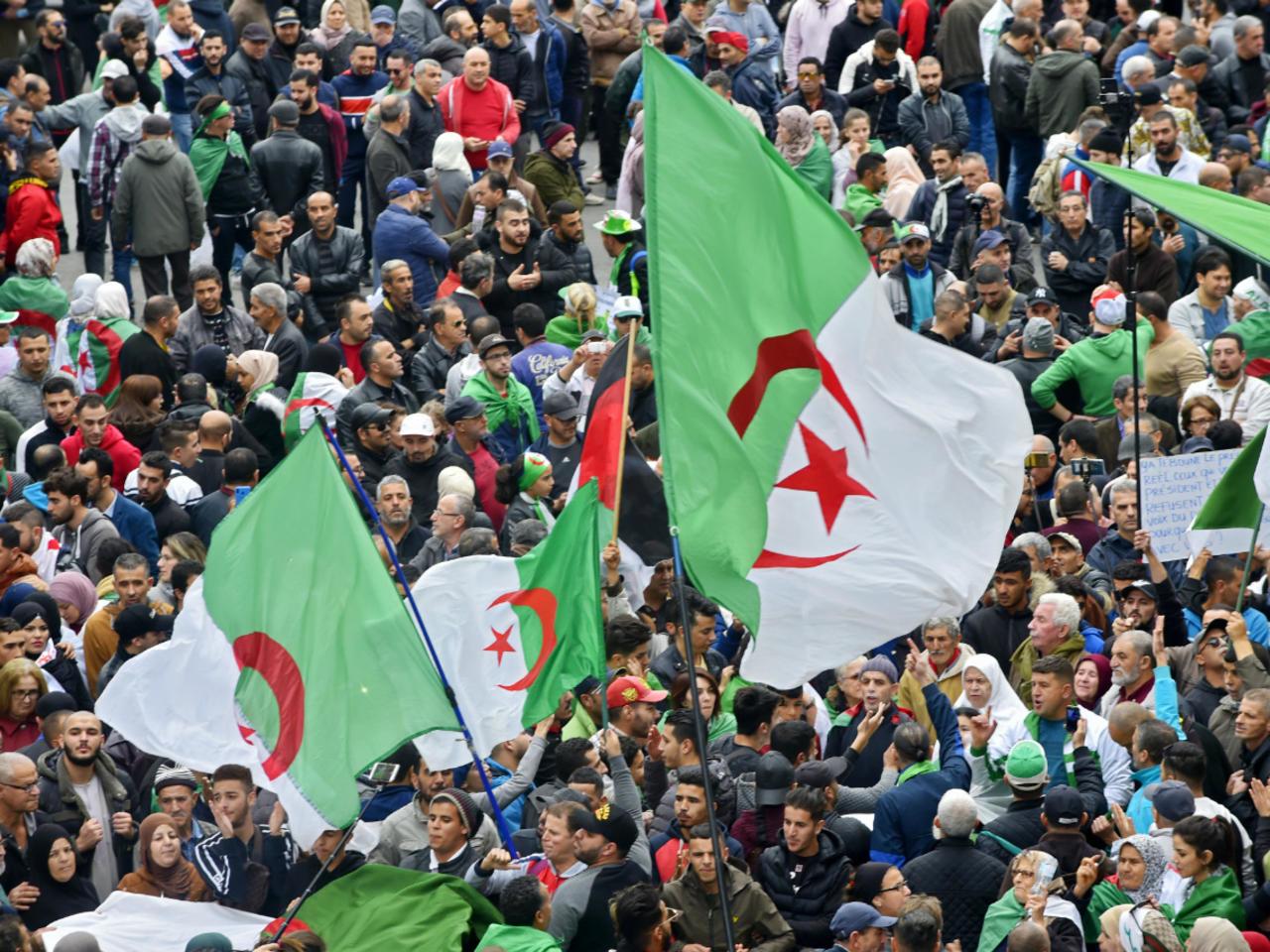 Algérie: de grandes manifestations pour célébrer l'an II du Hirak