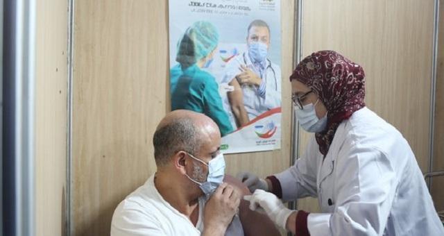 Covid19: 1,9 millions de vaccinés au Maroc, moins de 300 en Algérie