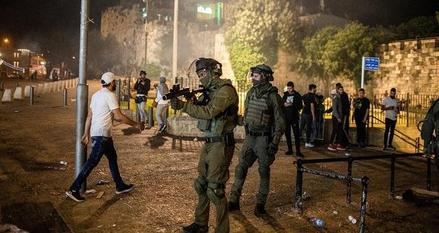 Mosquée Al-Aqsa:Plus de 170 Palestiniens blessésdans des attaques de l'armée d'occupation