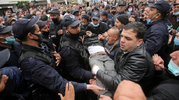 Algérie: Un pouvoir en guerre contre le peuple