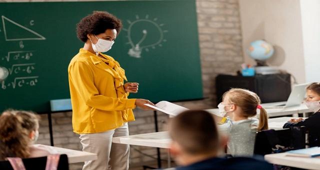 Covid-19: Les enseignants devraient faire partie des groupes prioritaires pour le vaccin
