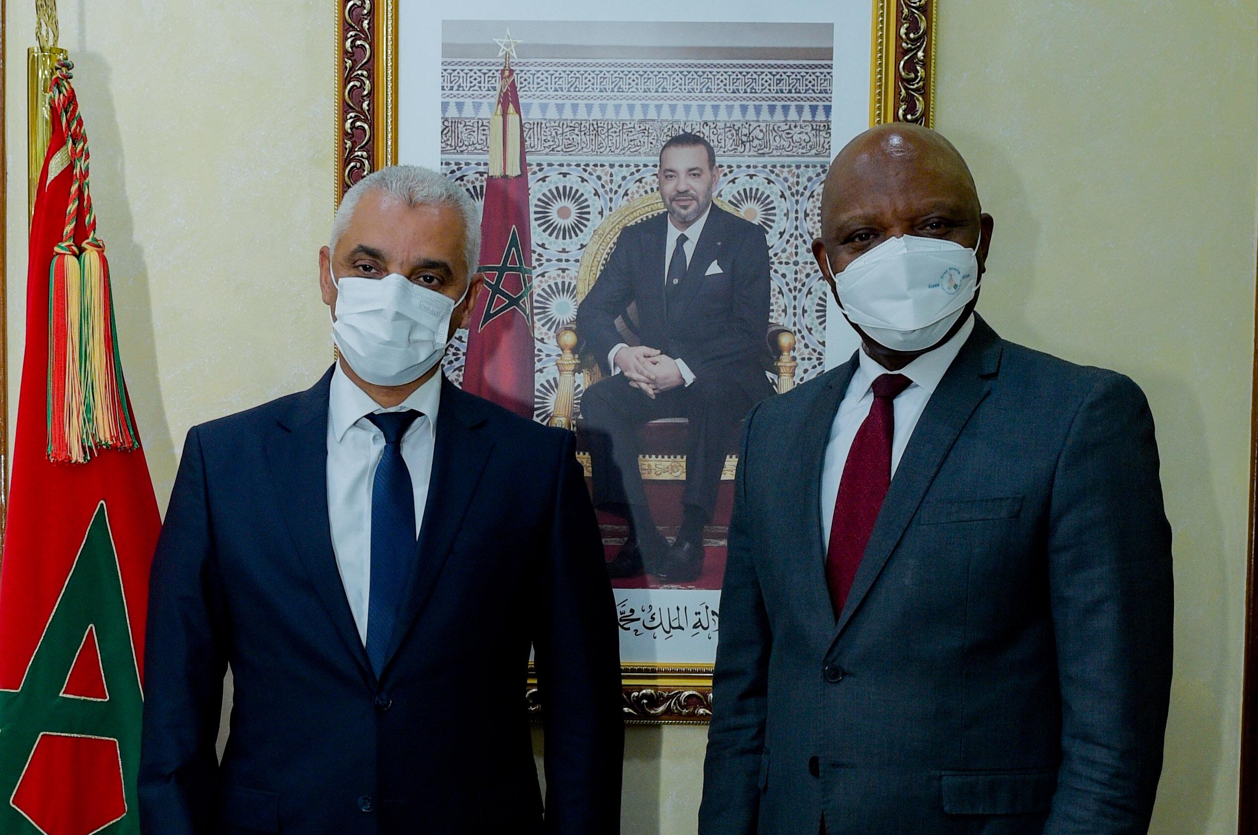 Le directeur général du CDC Afrique salue le leadership marocain en matière de vaccination anti covid19
