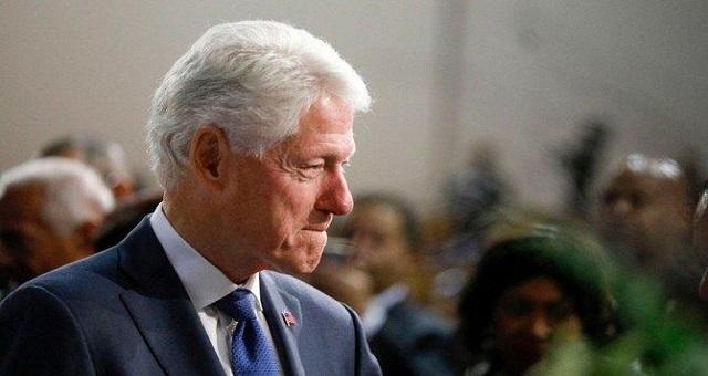 L'ancien président américain Bill Clinton hospitalisé pour une infection